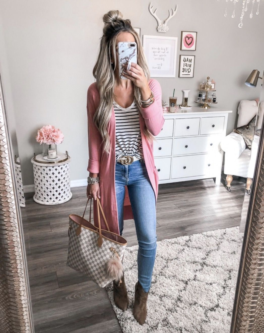 20 Cute Casual Fall Outfits That Will Keep You Cozy & Stylish