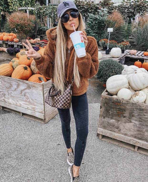 Best fall outfits and teddy coat outfits
