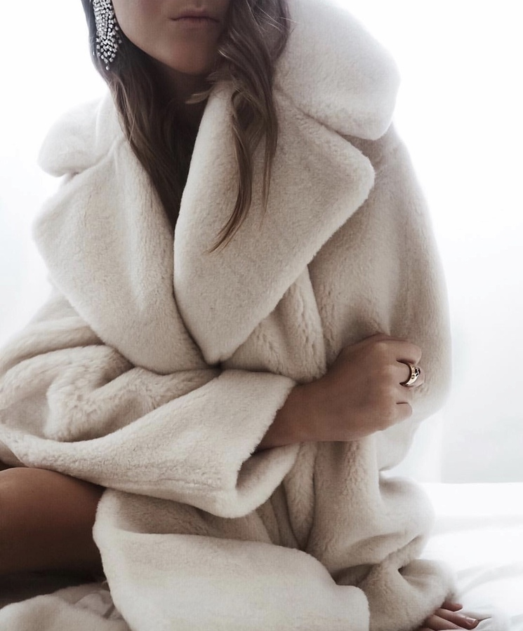 White teddy coat outfits for winter - chic winter outfits for women