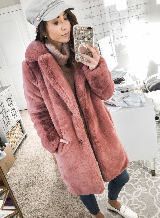Chic pink teddy coat outfits for winter
