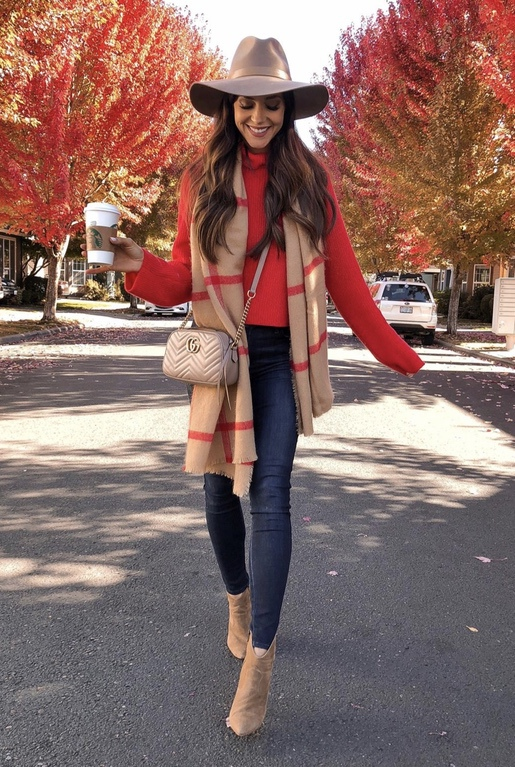 21+ Winter Outfits To Copy ASAP: Plaid Scarf. These casual winter outfits will keep you warm when other cold weather outfits may fail you. Check out these over the knee boot outfit looks, sweater outfits and other winter fashion outfits from the biggest fashion bloggers to get inspired now! Image ©LC_Steele #winterfashion #winteroutfits #casualwinteroutfits #plaidscarf