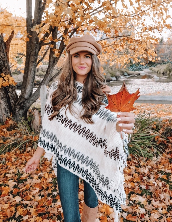 Cute fall look with jeans and poncho