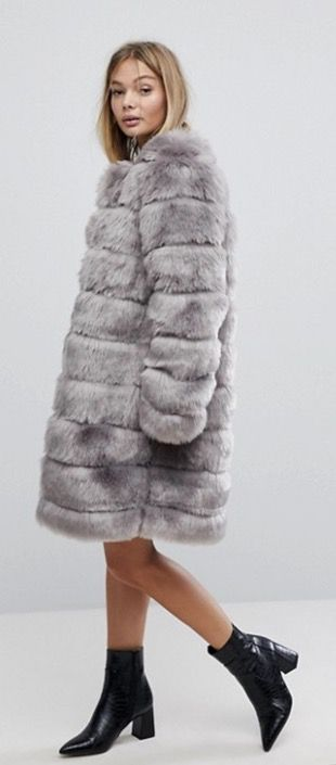 Chic grey faux fur coat outfits for winter