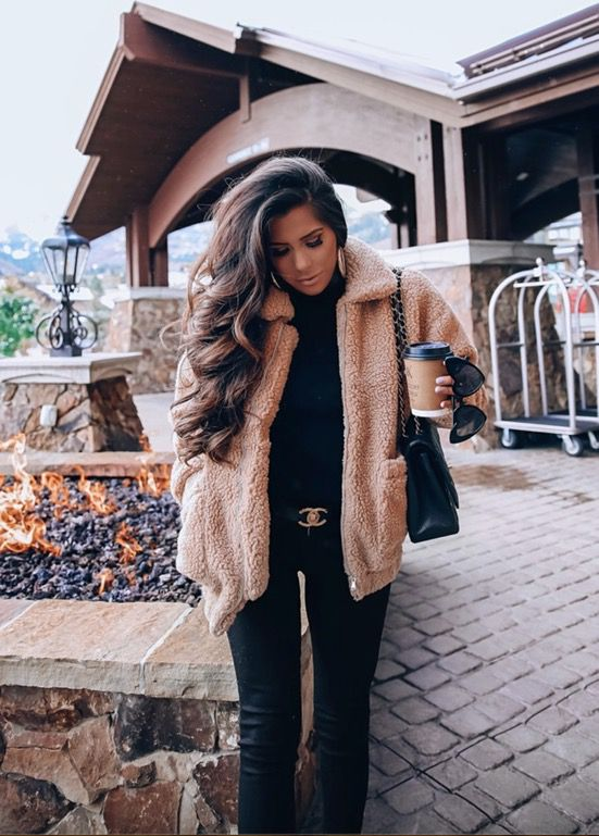 21+ Winter Outfits To Copy ASAP: Brown teddy coat with all black look. These Casual winter outfits will keep you warm when other cold weather outfits may fail you. Check out these over the knee boot outfit looks, sweater outfits and other winter fashion outfits from the biggest fashion bloggers to get inspired now! Image ©EmilyAnnGemma #winterfashion #winteroutfits #casualwinteroutfits #teddycoat