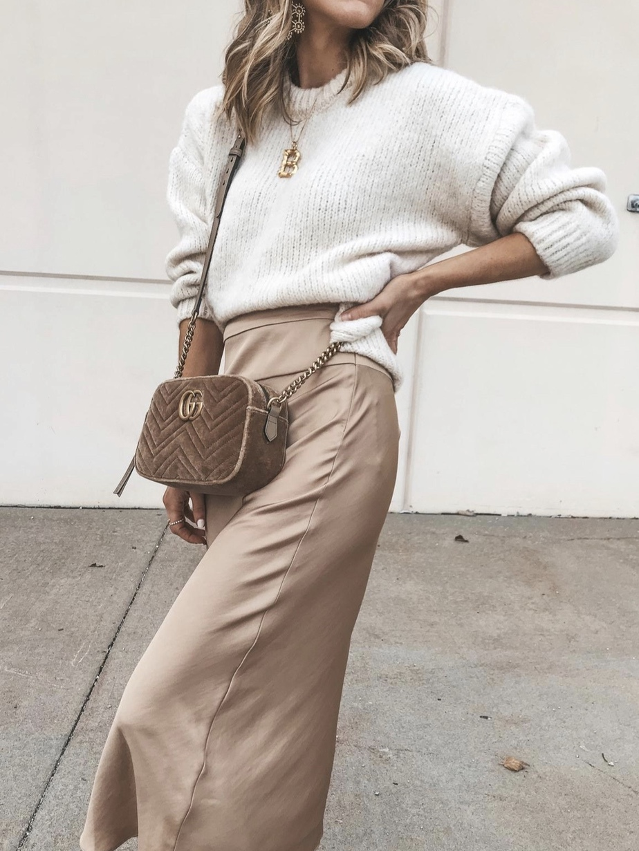 Camel midi skirt outfits for fall with sweater