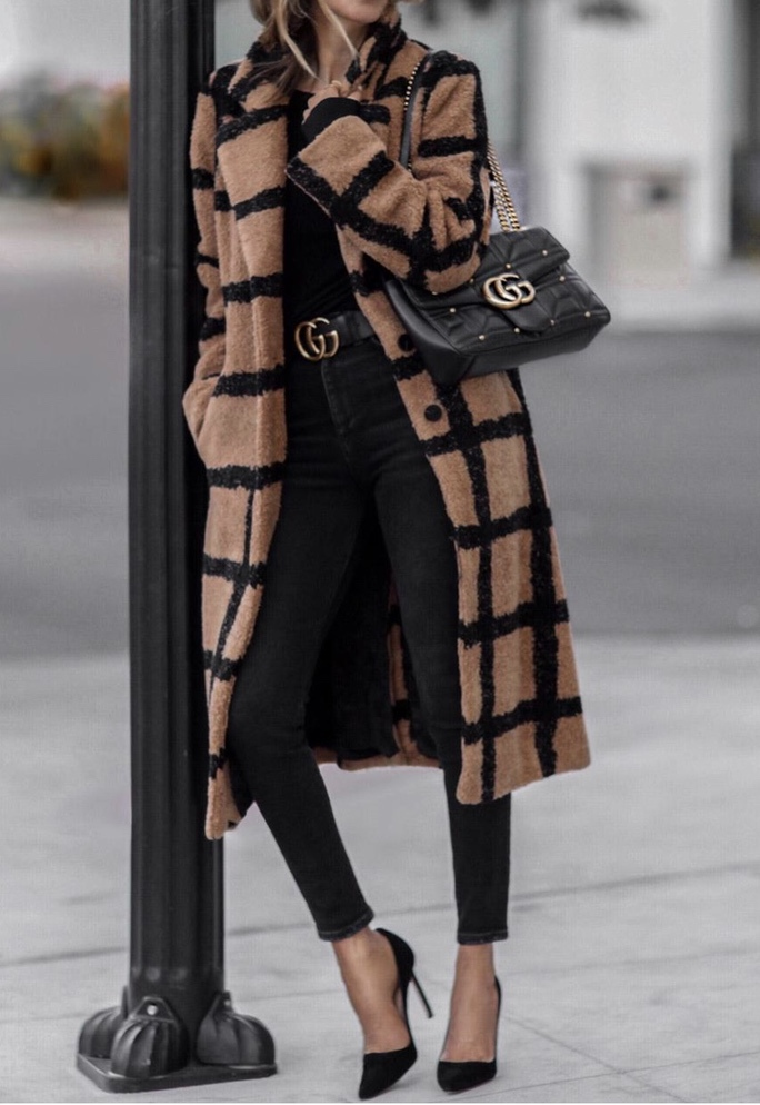 Chic winter outfits with check coat and black jeans with Gucci bag