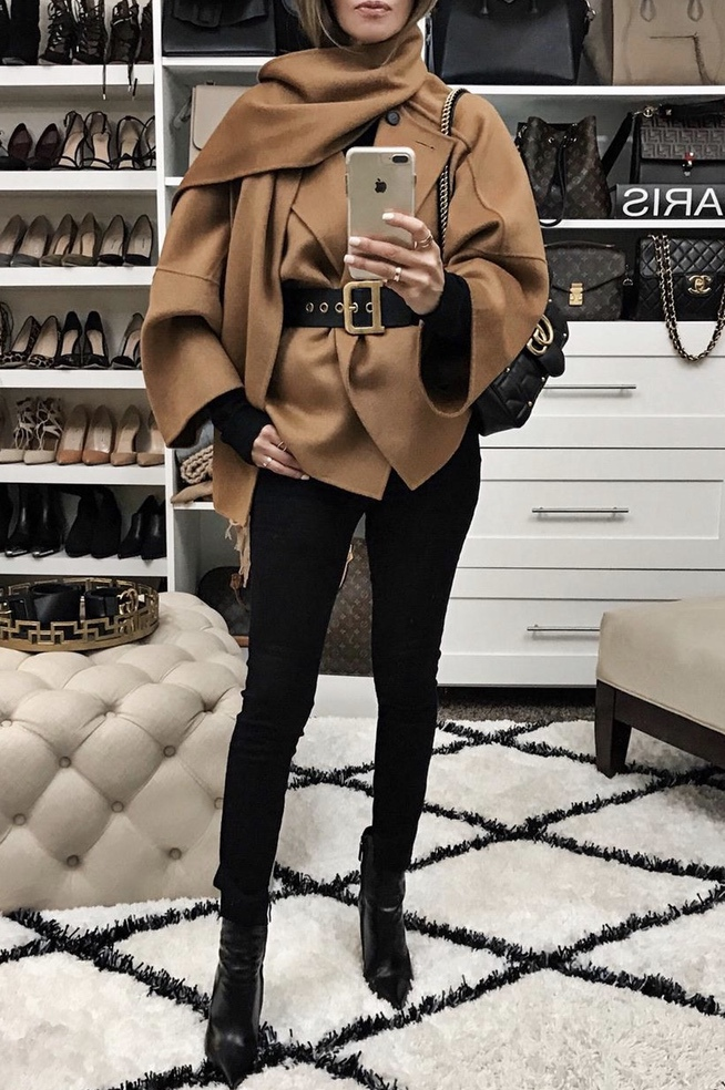 Casual winter outfits with black jeans and camel coat worn by Lolario Style