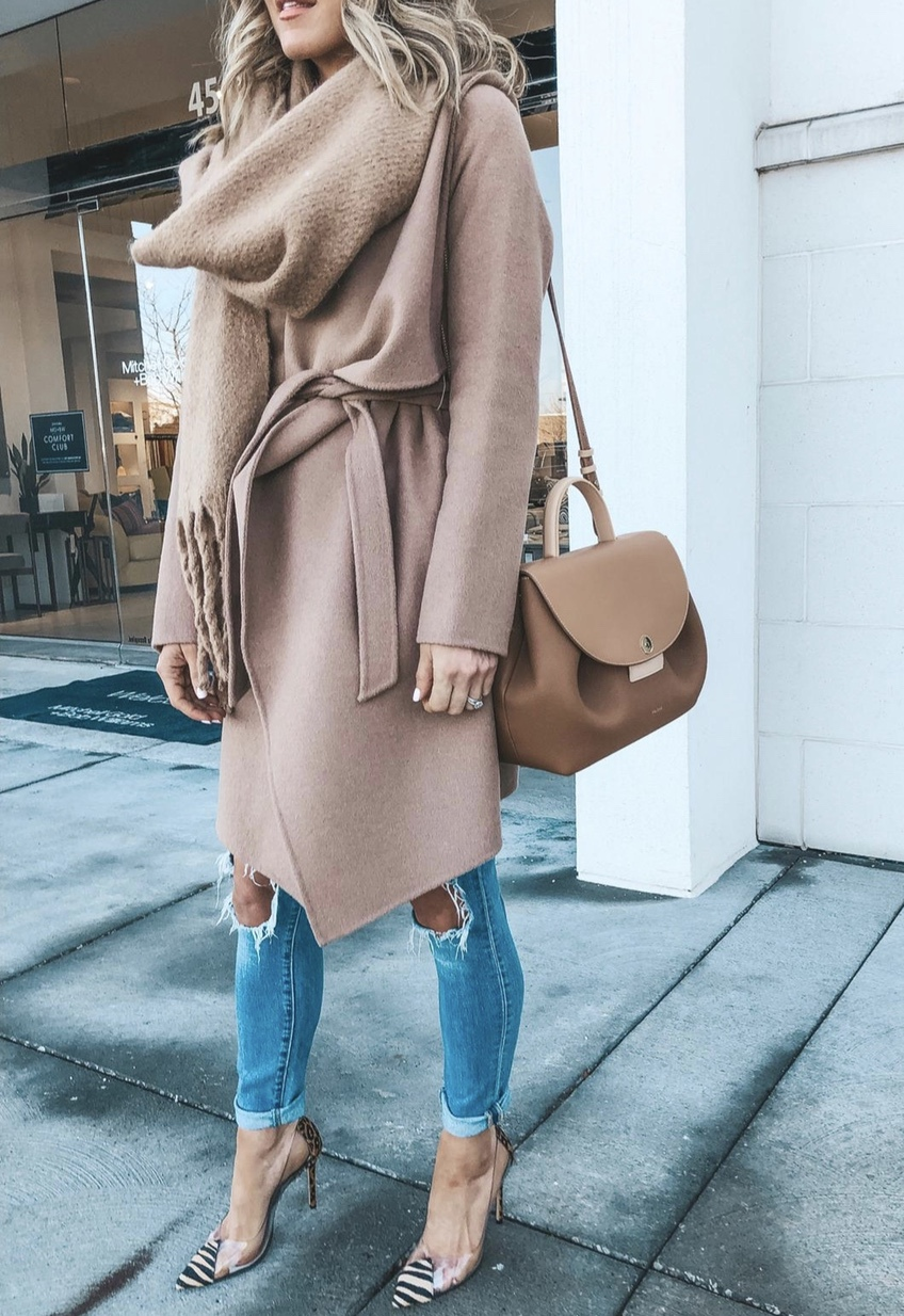 Casual winter outfits with jeans, scarf and camel coat