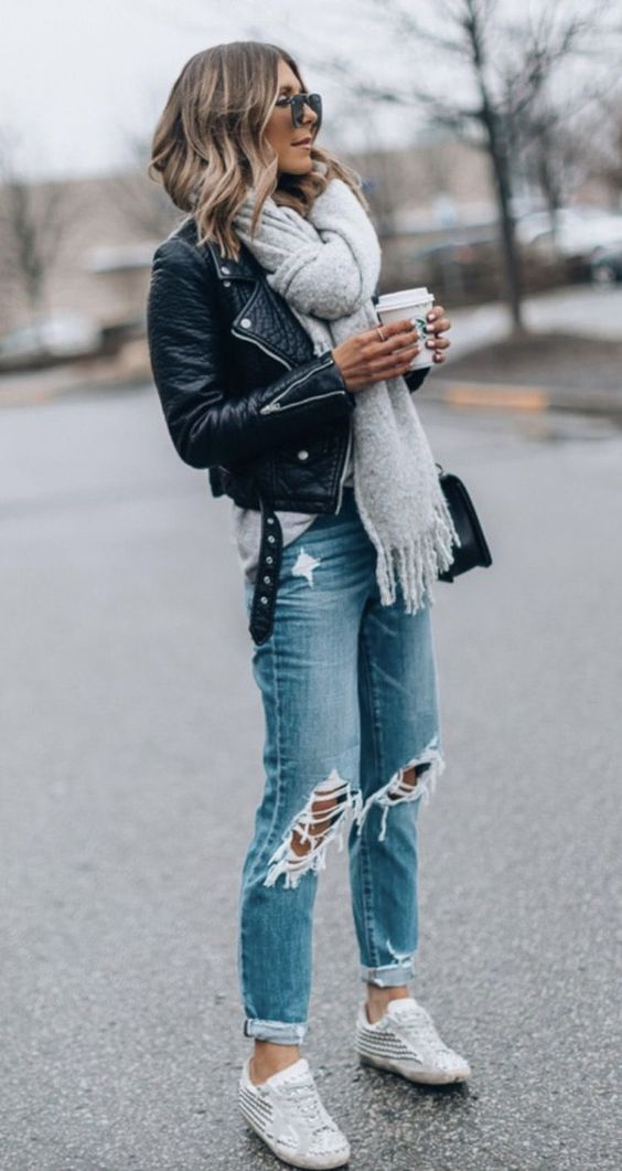 Casual outfits with jeans and black leather jacket for everyday wear