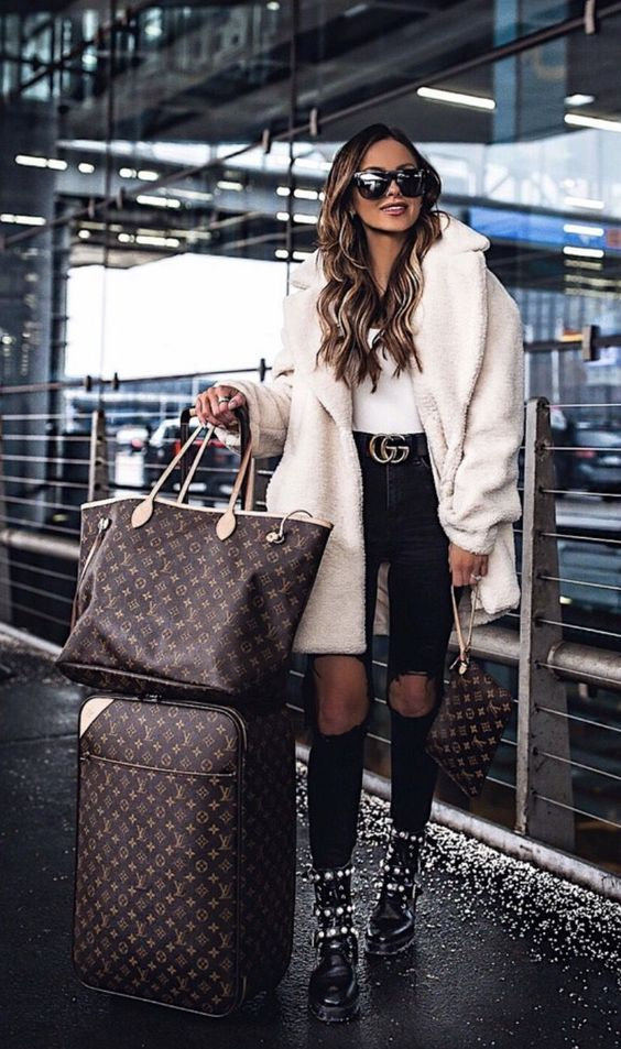 Chic casual outfits with with teddy coat - airport outfits