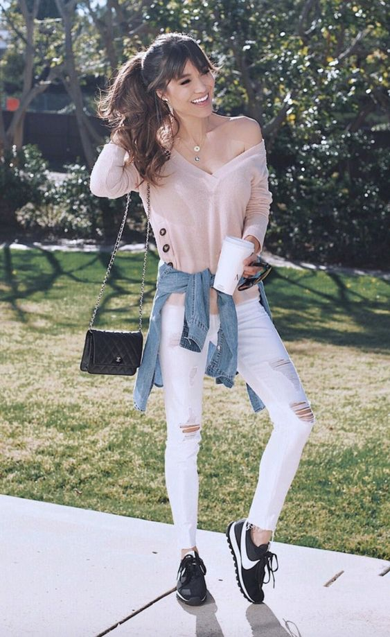 Casual outfits with white jeans for everyday wear