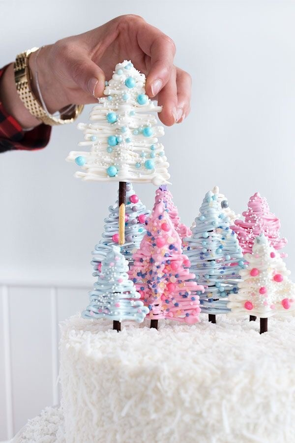 Winter Wonderland Cake With Christmas Tree Decor