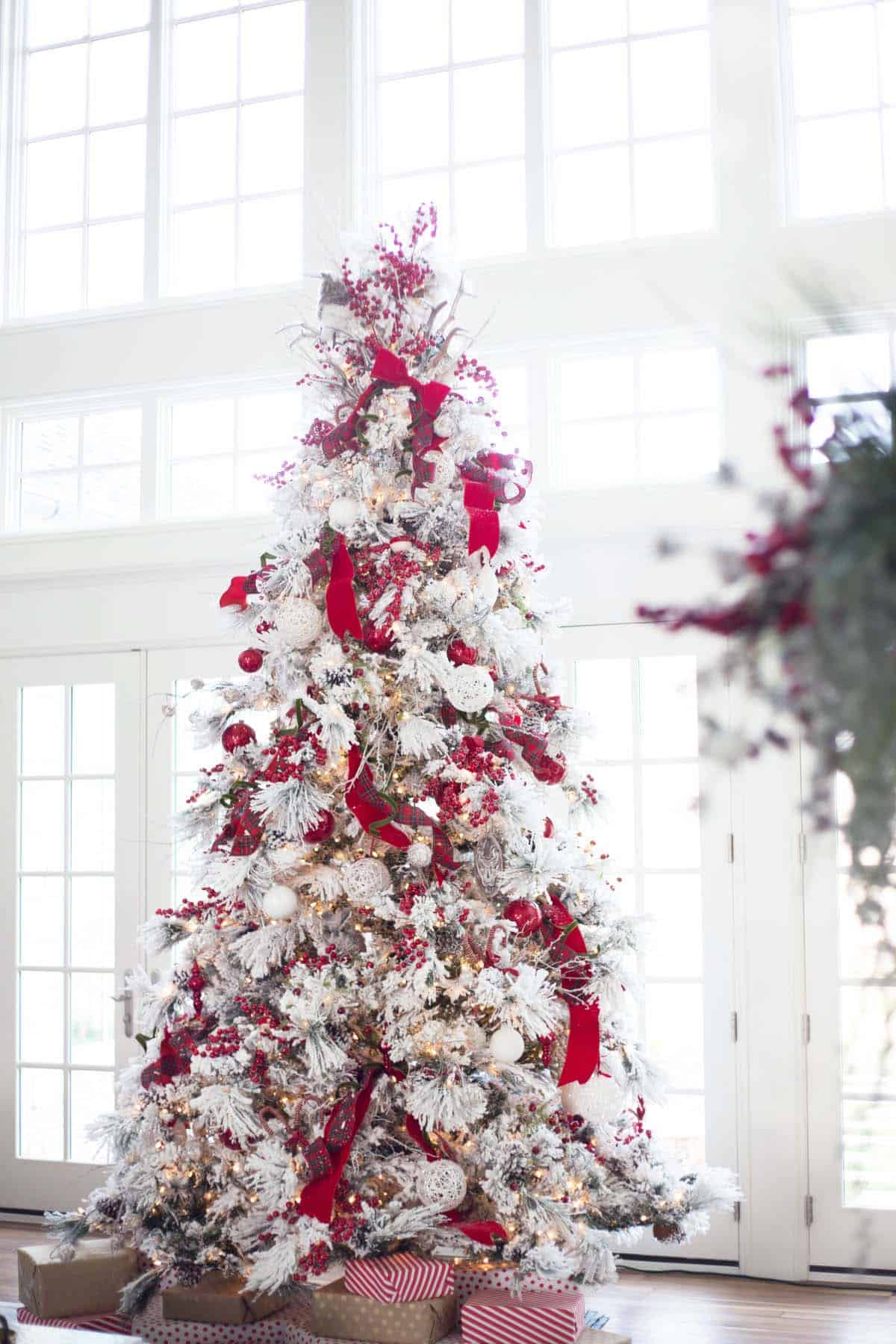 White and red Christmas tree decorations