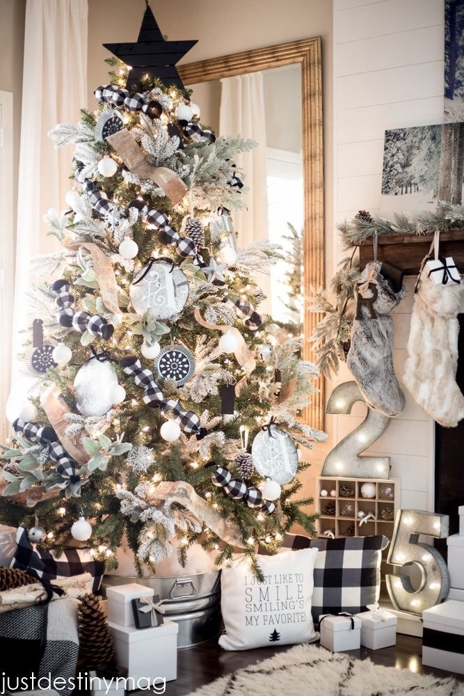 Black and white Christmas tree decorations