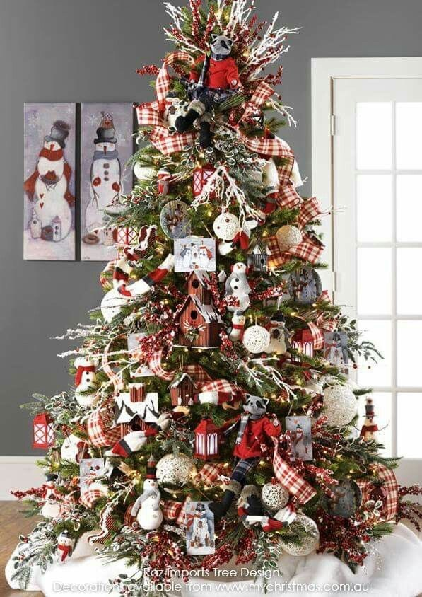 Red and green Christmas tree ideas with white snowman figures