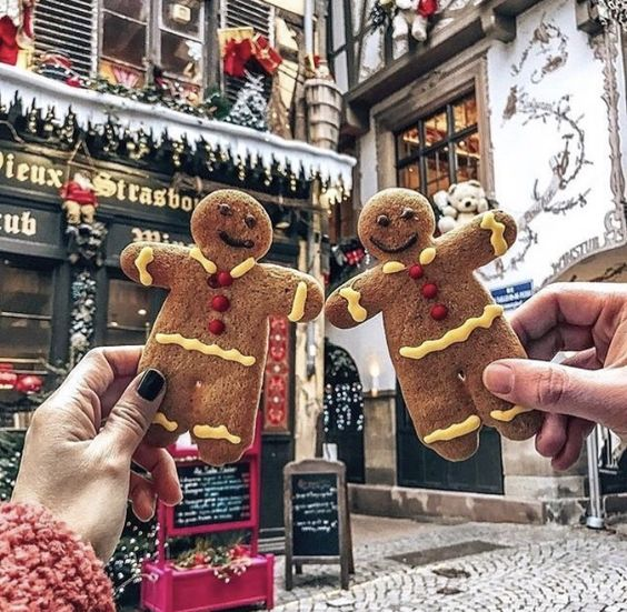 Christmas wallpaper aesthetic with gingerbread man cookies
