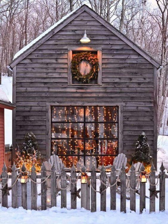 Aesthetic Christmas pictures with cute cabin and snow