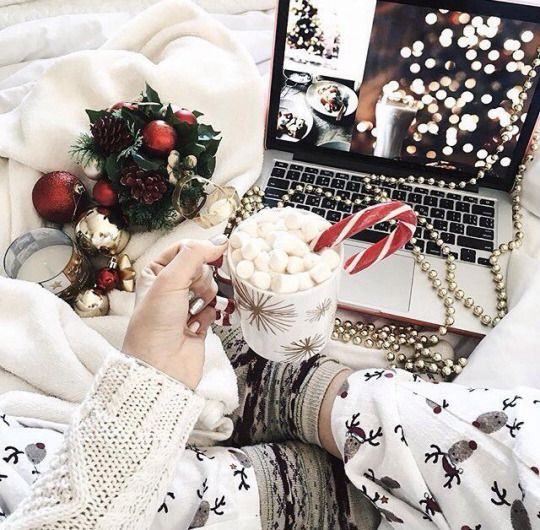 Aesthetic Christmas pictures with hot chocolate