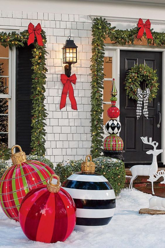Elegant Christmas outdoor decorations with baubles