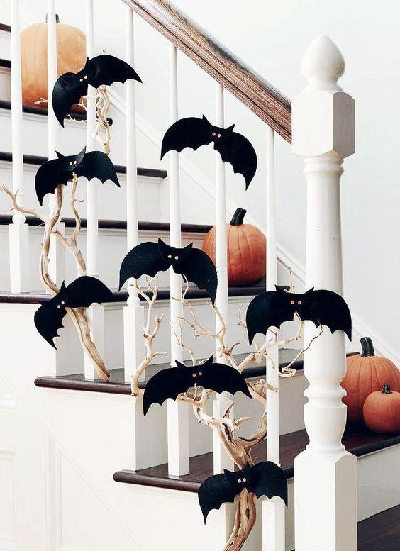 Easy DIY Halloween decorations - DIY bat decor from dollar store