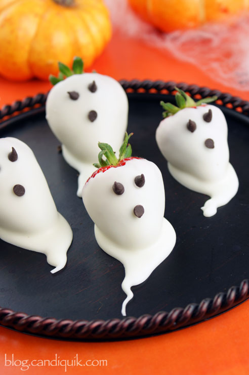 Cute Halloween Party Food Ideas: Strawberry Ghosts