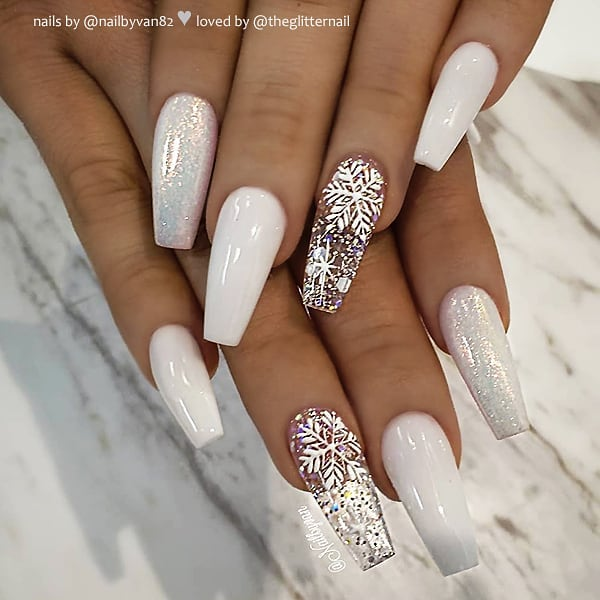 White Christmas nails with snowflakes and glitter - white snowflake nails