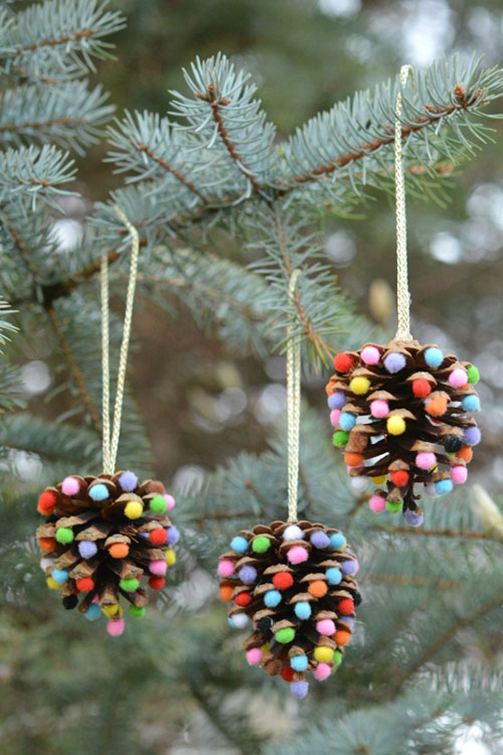 DIY Pom Pom Pinecone Ornaments