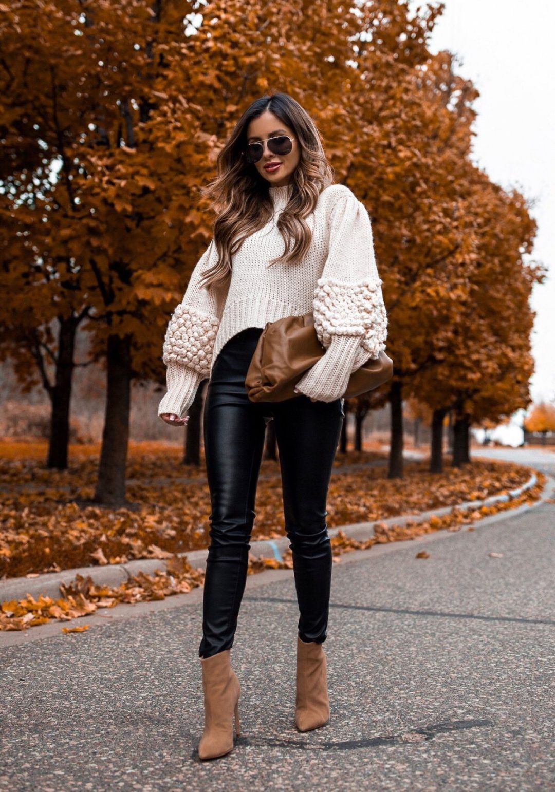 Cute sweater outfits with black leggings