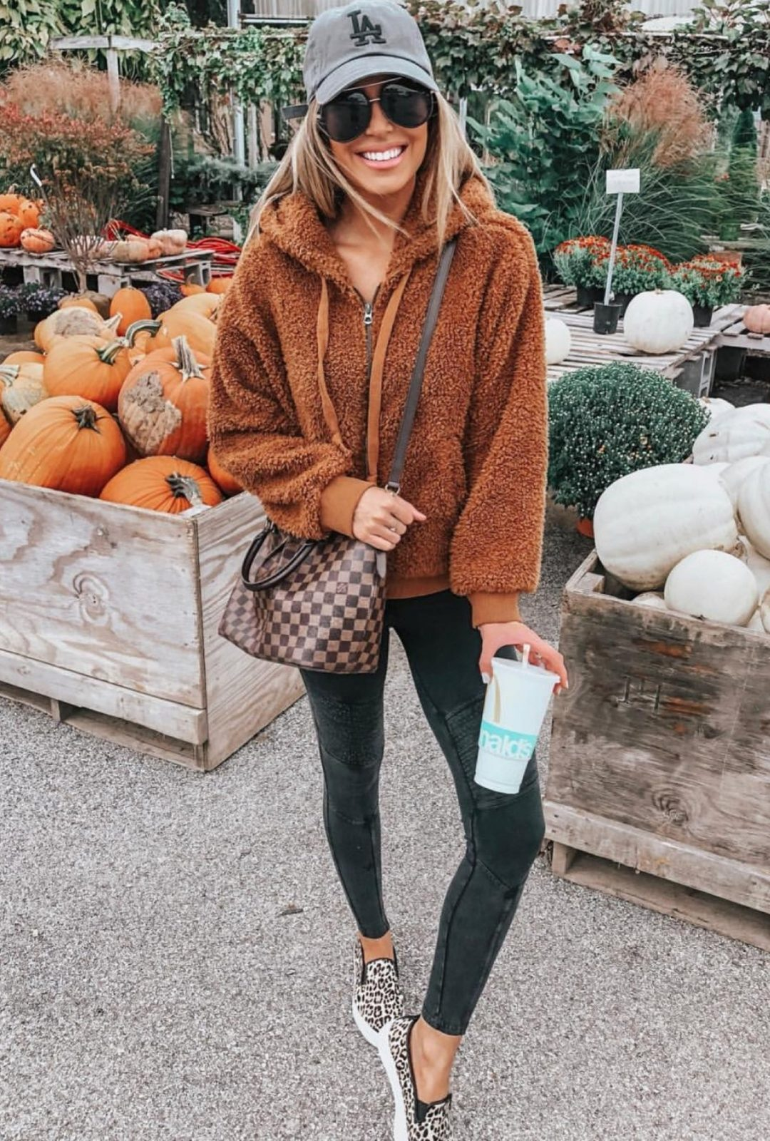Casual outfit for fall with teddy coat and Louis Vuitton Neverfull