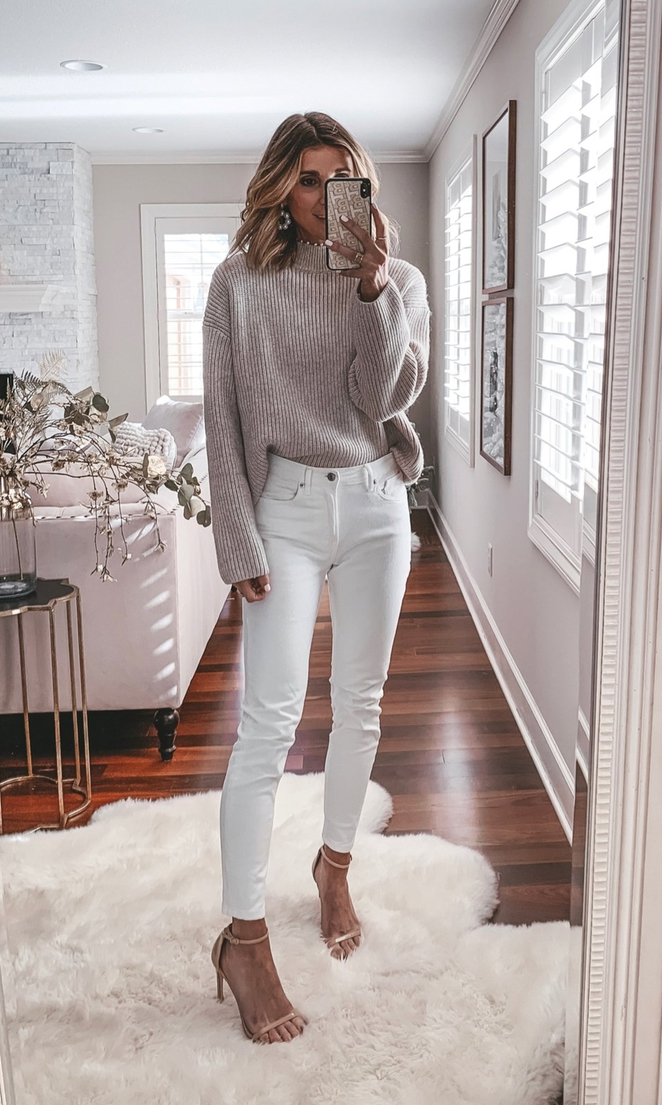 Beige sweater look with white jeans - best fall outfits