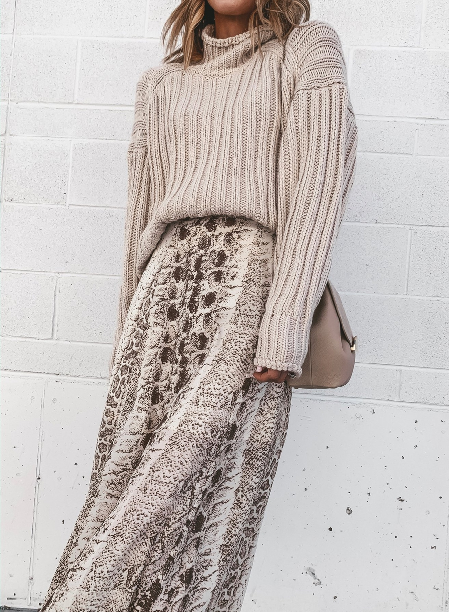 Midi skirt outfits for fall