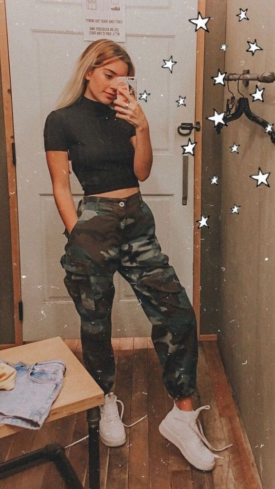 Cool outfits with cargo pants and military pants with cropped t shirt