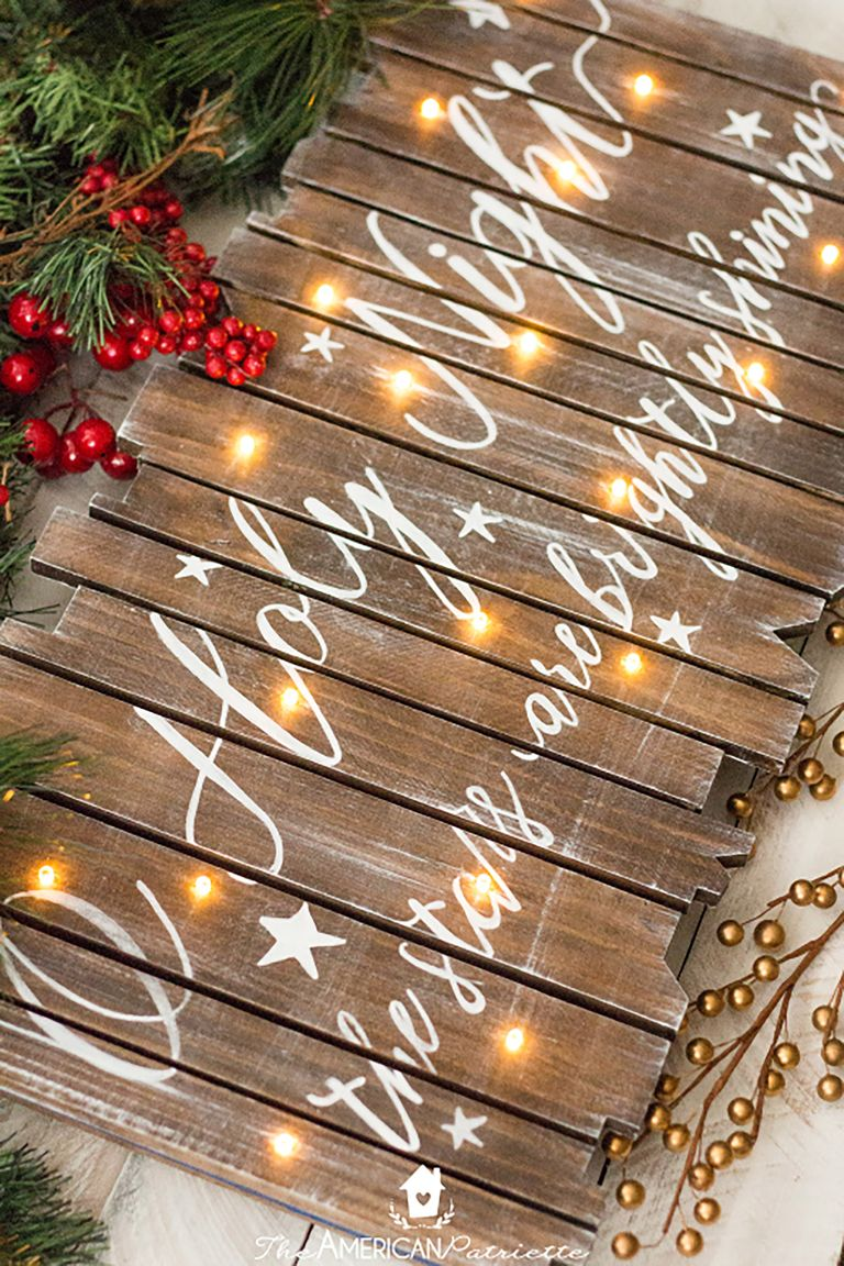 Easy Christmas crafts for adults: DIY Rustic Light-Up Christmas Sign