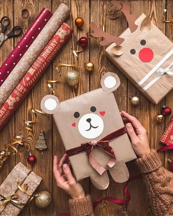 Cute Christmas gift wrapping ideas: Brown paper teddy bear wrapping