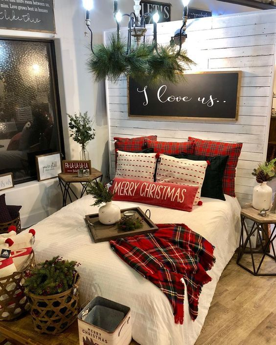 Red farmhouse Christmas decorations