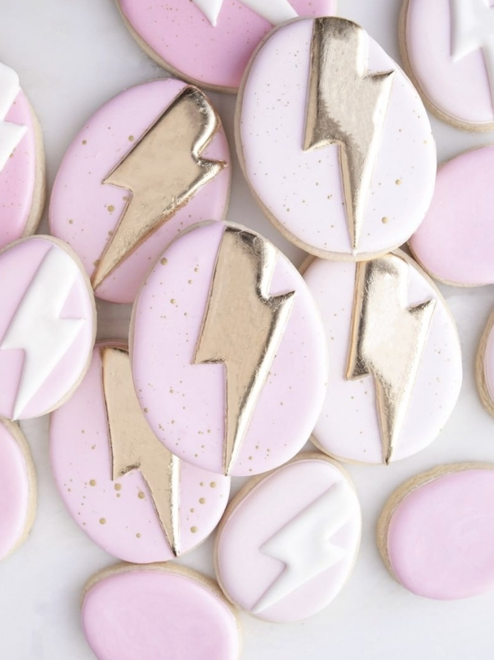 Cute Easter egg Cookies, pink decorated Easter cookies