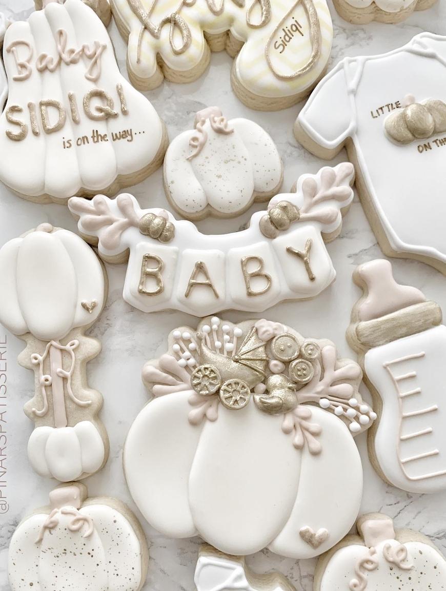 white baby shower cookies, pumpkin baby shower cookie ideas