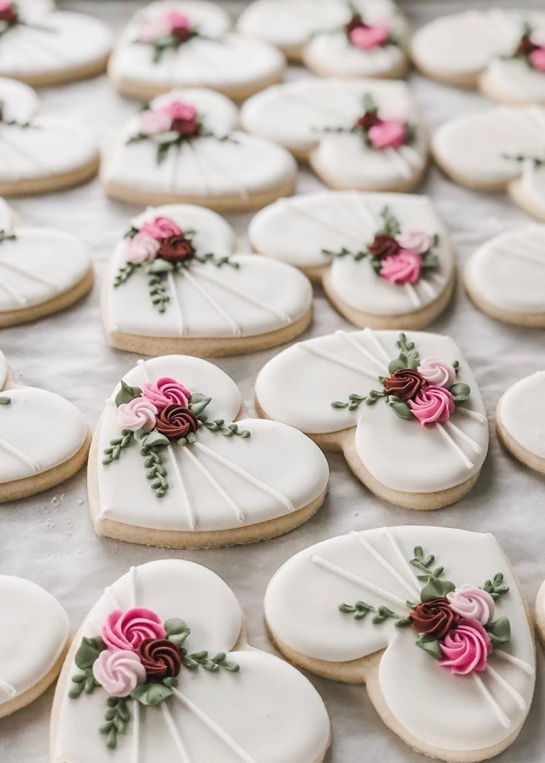 White heart shaped cookies for weddings