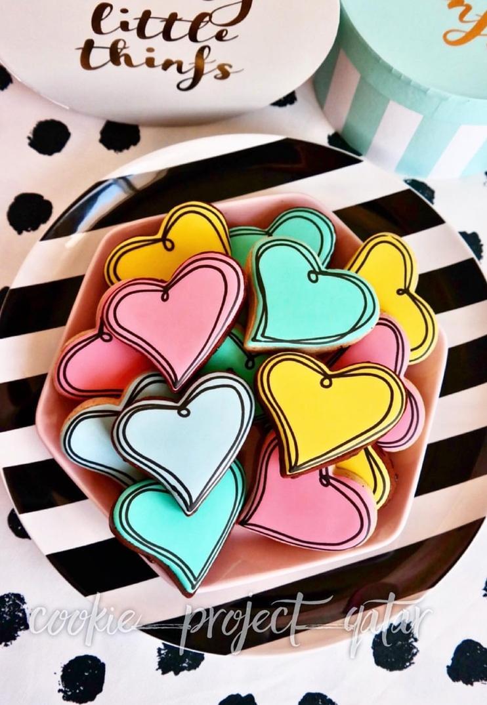 Retro heart shaped cookies - pop art heart shaped cookies