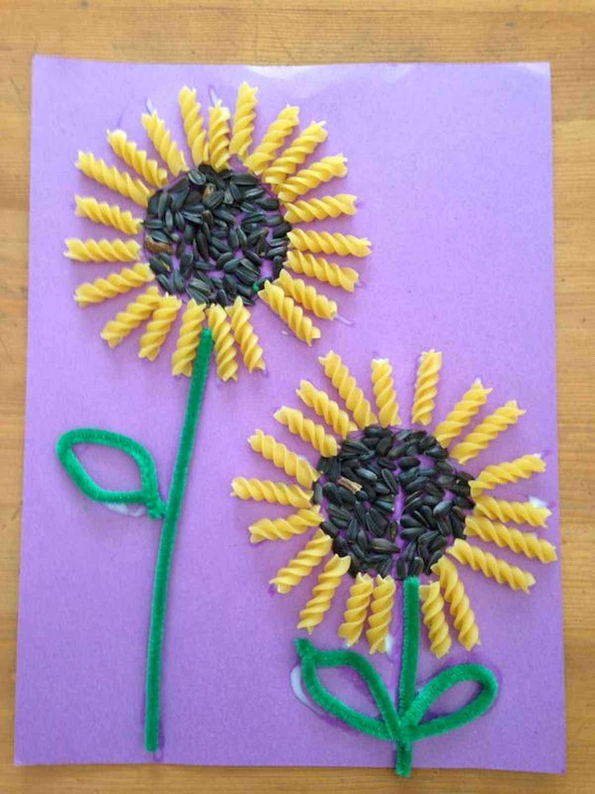 Easy spring crafts for kids: Macaroon Sunflowers