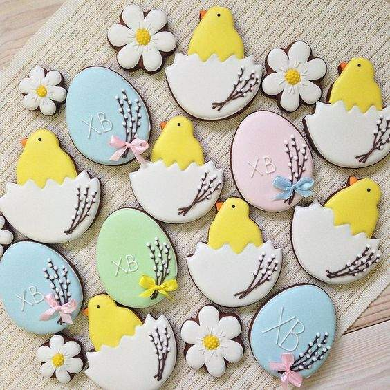 Decorated Chick And Egg Cookies, decorated Easter egg cookies