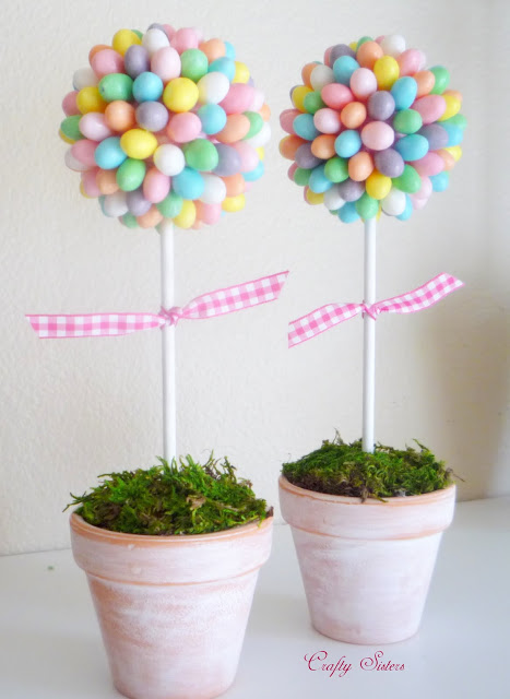 Cute Easter outdoor decor: Jelly Bean Topiary