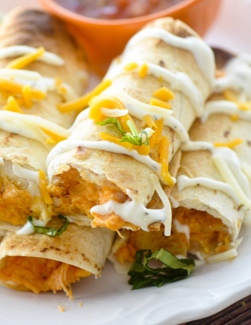 Easy weight watchers chicken recipes with smartpoints: Baked Buffalo Chicken Taquitos