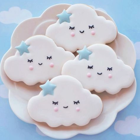 Twinkle twinkle little star baby shower cookies with clouds