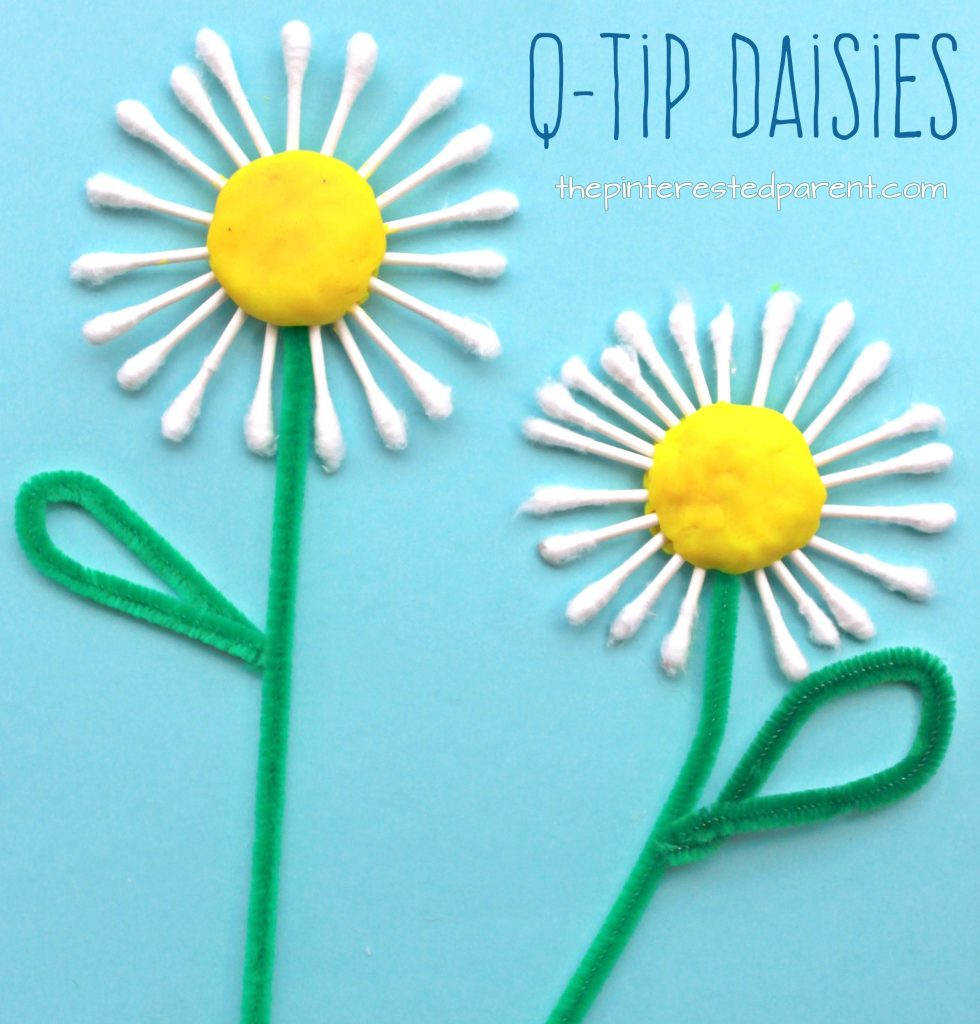Easy spring crafts for kids: Q-Tip Daisy Craft