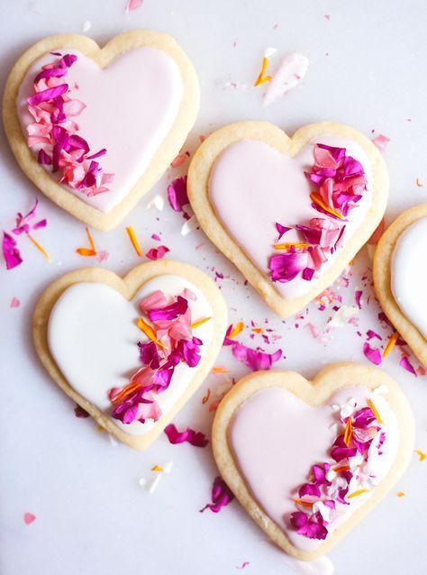 Cute valentine's day cookie ideas, pink heart shaped sugar cookies