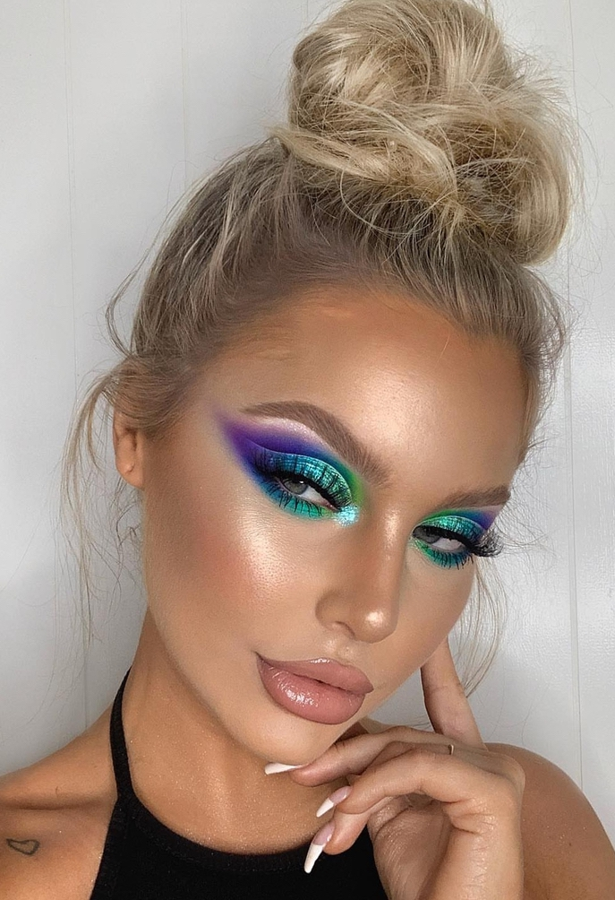 Easy festival makeup looks with bold eyeshadow in green and purple