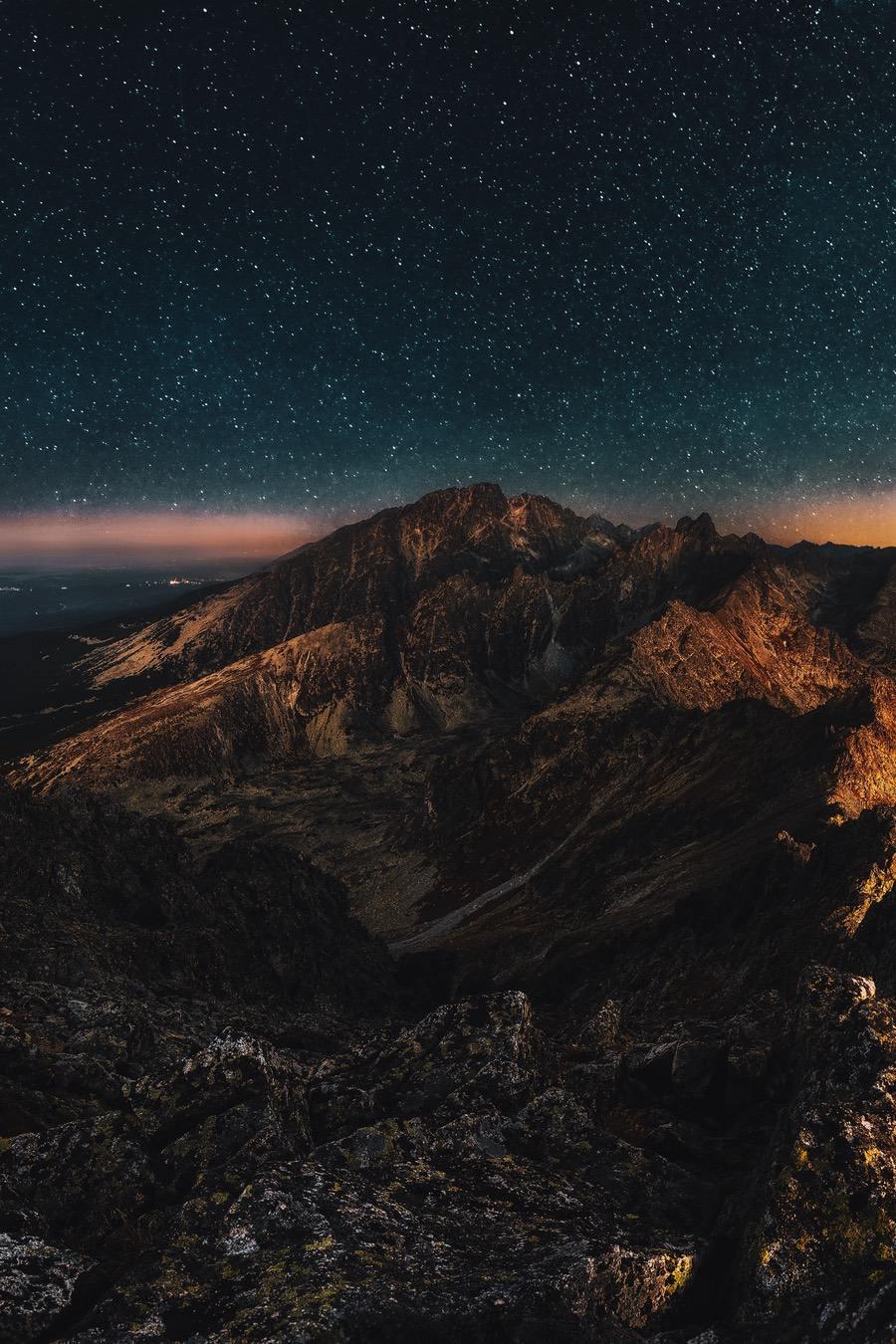 Mountain iPhone wallpaper
