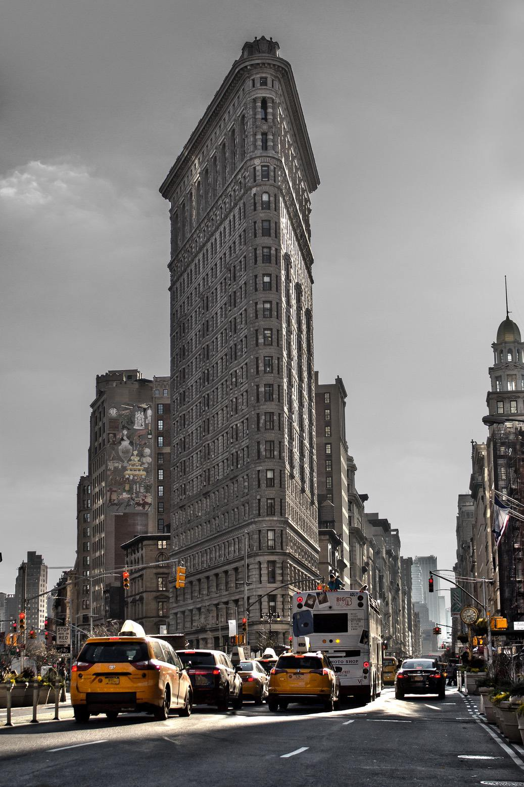 New York City wallpapers for iPhone with Flat Iron building