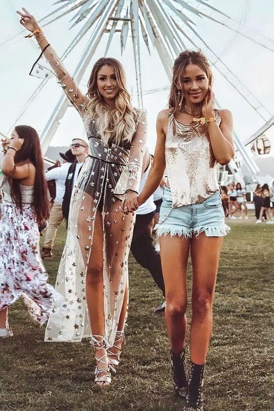 Best casual Coachella outfits with Caroline Einhoff